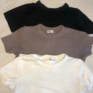 Bundle of 3 Uniqlo cotton t-shirts